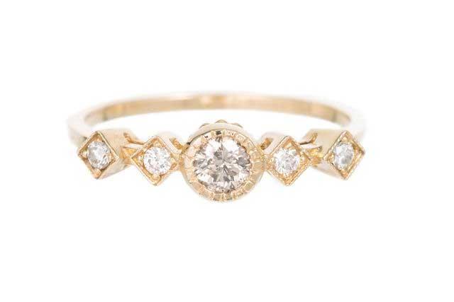 Champagne Diamond Echo Ring