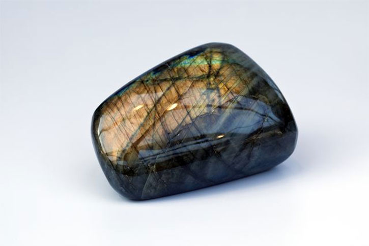 Labradorite Facts and Meaning