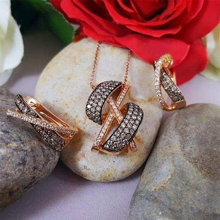 rose 14K chocolate diamonds