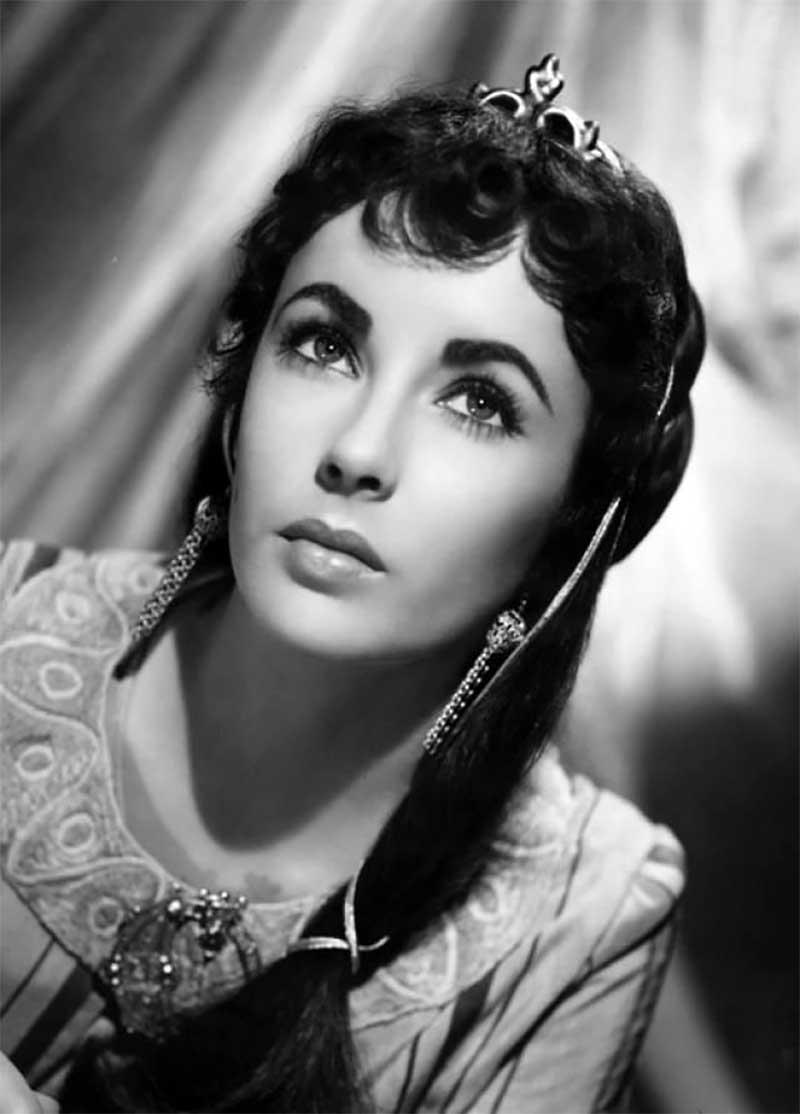 Elizabeth Taylor in 1952