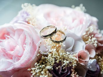 beautiful gold wedding rings