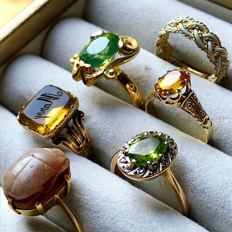 About Peridot Rings