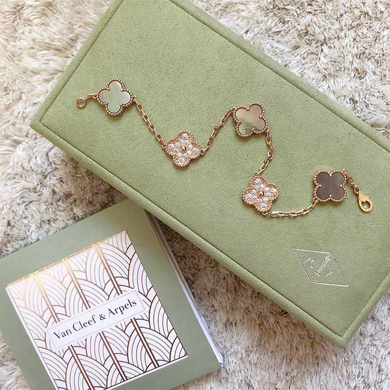Van Cleef & Arpels Jewelry to Pawn