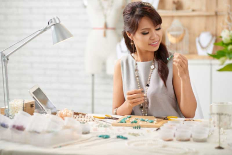 4 Jewelry Making Tips for Beginners